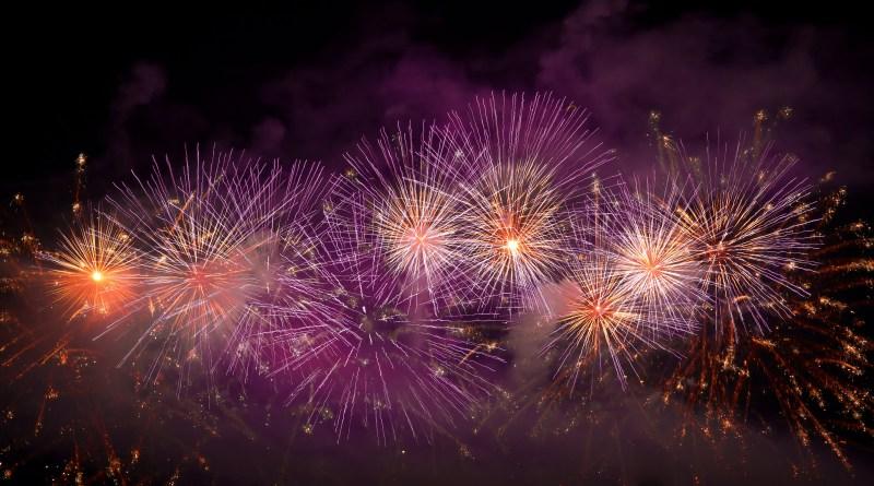 Foc de artificii in ritmul muzicii la Hit Revelion 2018, Piata George Enescu
