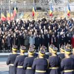 Aproximativ 4.000 de militari şi specialişti au participat la Paradele Militare de la Bucuresti si Alba Iulia