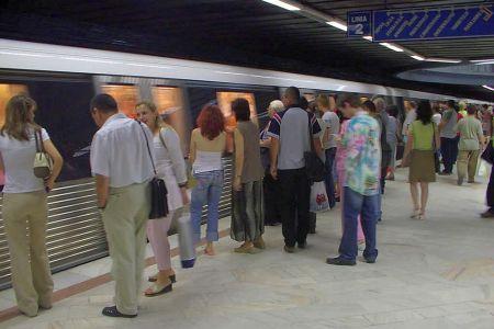 Metroul prelungeste programul cu doua ore pentru derby-ul Dinamo-Steaua!
