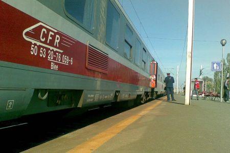 Un tren CFR a ajuns astazi cu 200 de minute intarziere in Gara de Nord dupa ce a pierdut vagoanele pe drum!