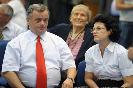 Mafia imobiliara din Bucuresti: Ontanu acuzat ca a pus un avocat-paravan in spatele retrocedarilor de milioane de euro!