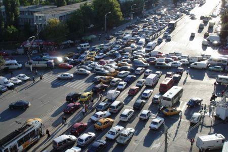 Noi ne petrecem ani din viata blocati in trafic si primaria ne anunta ca vrea sa preia modelul olandez in transport!