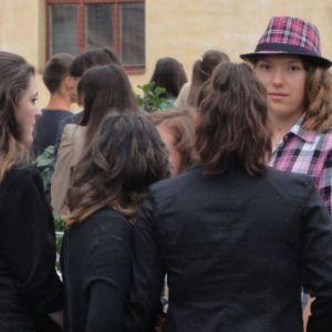 Propunere a Primariei Capitalei: Elevii de liceu din Bucuresti sa studieze la scoala Uniunea Europeana!