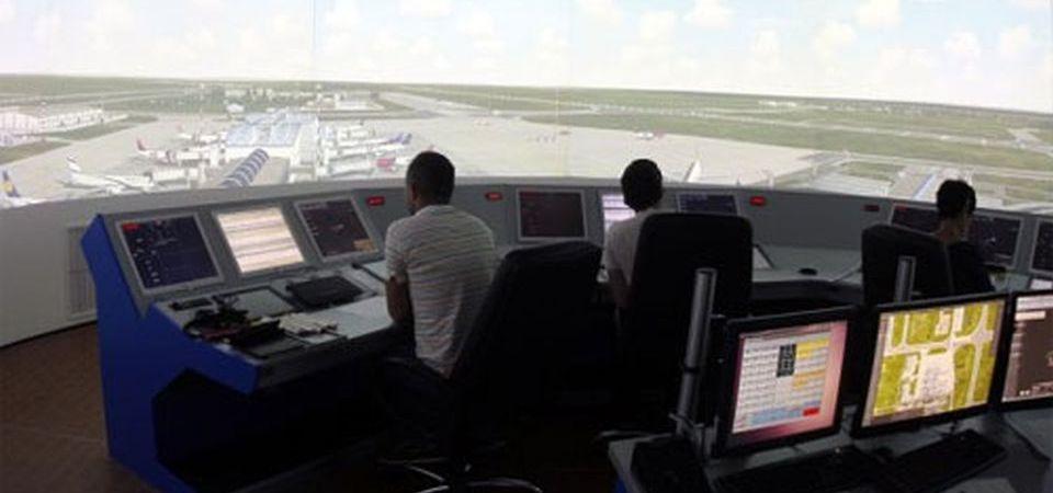 Controlorii de trafic aerian de pe aeroportul Otopeni castiga mai mult decat cei de pe Heathrow, din Londra! Si saptamana viitoare fac greva!