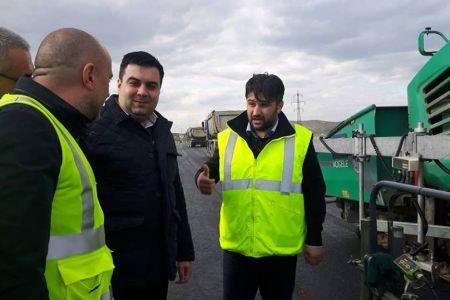 Ministrul Transporturilor s-a dus pe nepregatite pe santierele din jurul Bucurestiului. Vezi cum au reactionat muncitorii si ce a gasit!