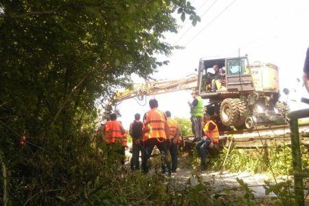 """Inca o """"solutie"""" pentru rezolvarea problemei podului CFR din Herastrau: Borduri pentru biciclisti!"""