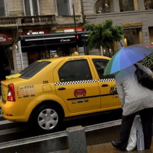 Clever Taxi cumparata de o companie din grupul Daimler cu 10 milioane de euro!