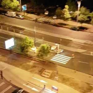 Bucurestiul TeVede: Masina infioratoare care traseaza trecerea de pietoni a trezit un cartier intreg la ora doua dimineata!