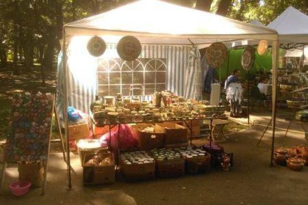 Racoare, produse traditionale, handmade si obiecte de anticariat in Parcul Kiseleff