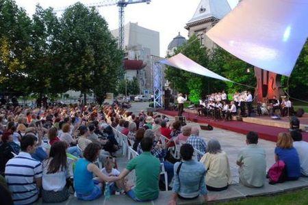 Ce faci in week-end? In parcurile Bucurestiului sunt programate mai multe de concerte!