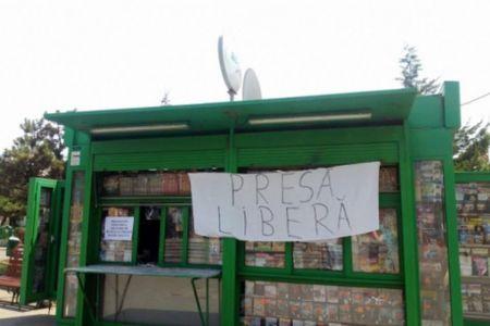 Bucurestiul citeste astazi presa doar online. Chioscarii fac greva dupa scandalul cu Baluta, primarul sectorului 4!