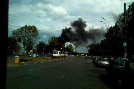 Incendiu puternic in Sectorul 3, la un depozit de bauturi alcoolice. ISU intervine cu 11 autospeciale