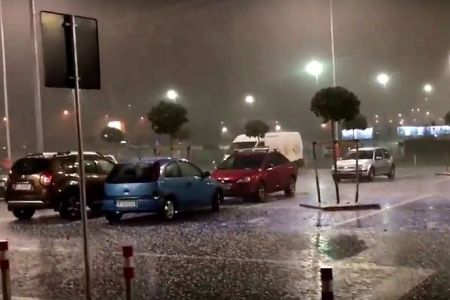 Bilantul final al furtunii de aseara: ISU a avut 24 de interventii, in tot Bucurestiul si in Ilfov