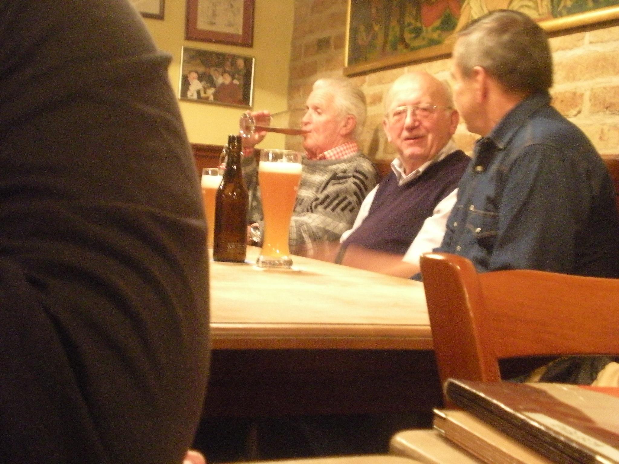 locals at Die Weisse