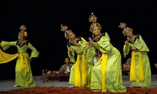 Tarian Riau