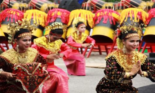 Tarian Adat Riau