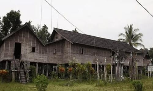 nama rumah adat Kalimantan Tengah