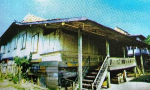 nama rumah adat palembang
