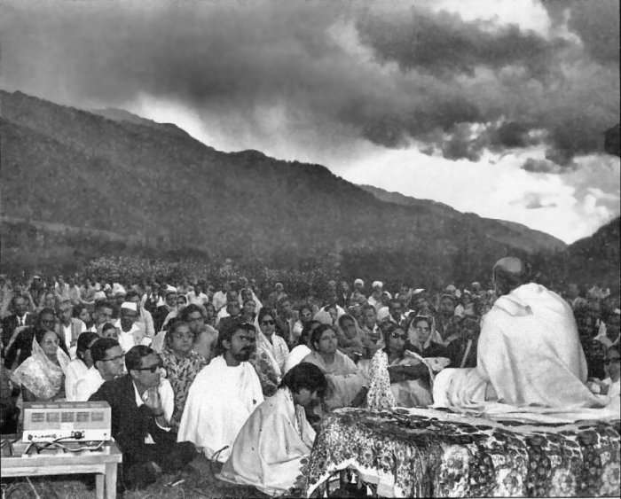 "Osho conducting ""Meditation Camp"" in Rajasthan, India late 1960's..."
