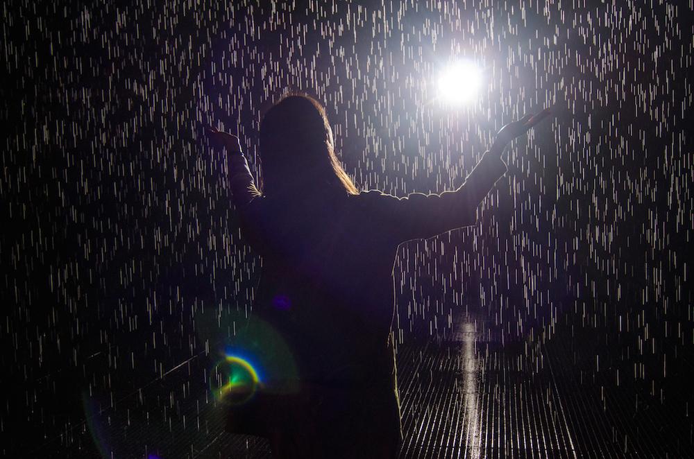 The-Rain-Room-Yuz-Museum-Shanghai-China-jenny-adams-freelance-5004