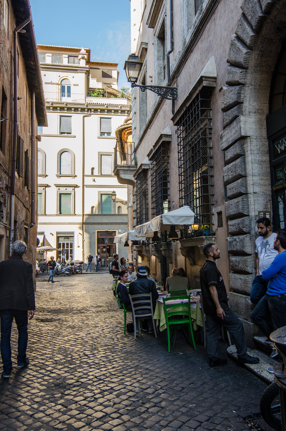 Afternoon light in trastevere in Rome Italy, photo by Jenny Adams-1032
