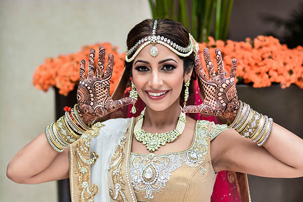Mehendi 10 Indian things that Instantly make a Girl more Attractive