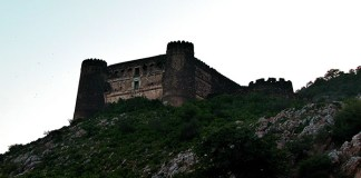 6 Facts about Bhangarh Fort that will keep you Up at Night