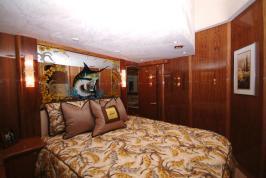 Davis-70-Yacht030-wpcf_739x495