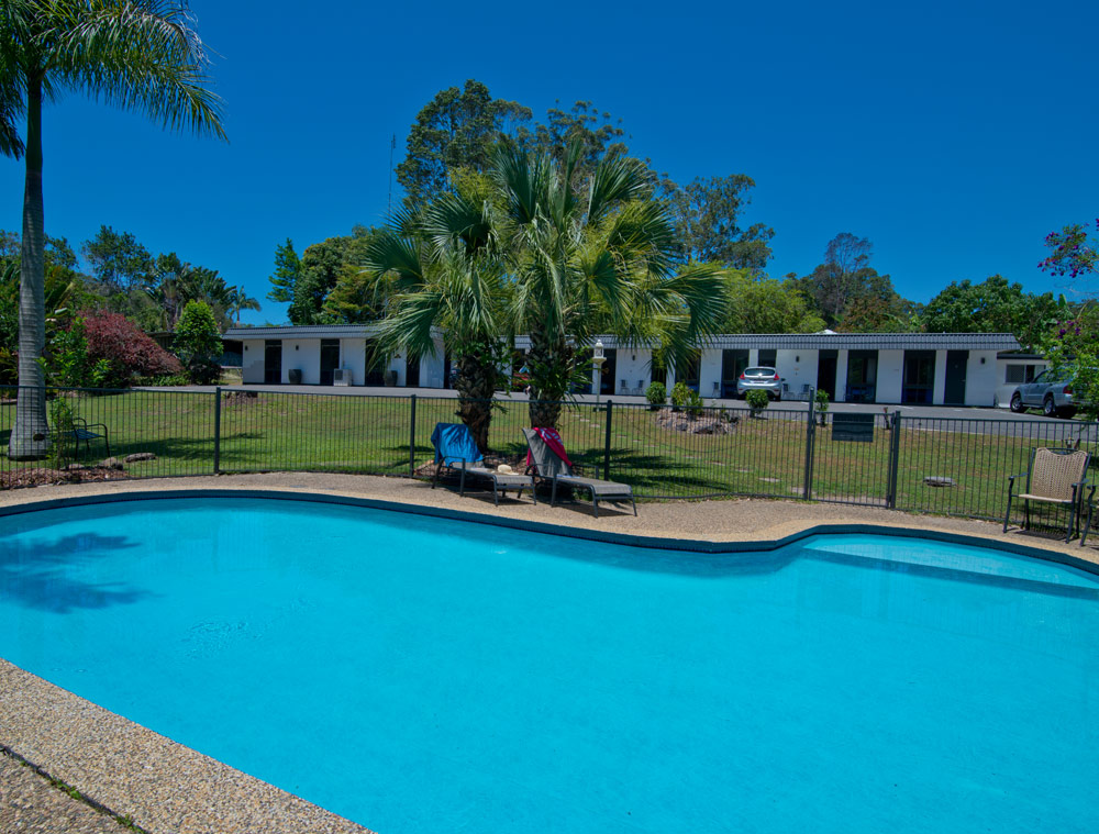 Buderim Fiesta Motel pool area