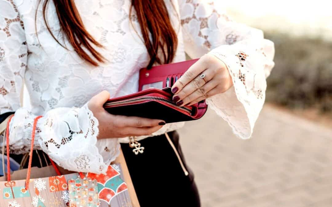 6 Habits of People Who are Never Broke