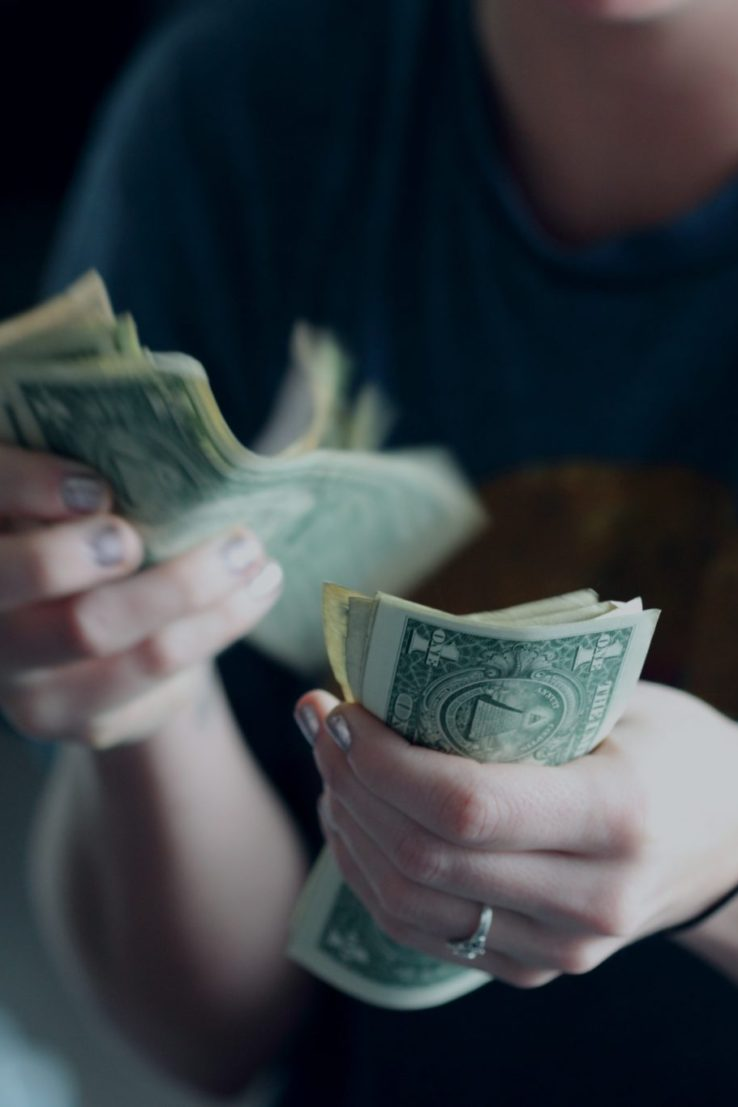 15 EFFORTLESS CHANGES TO QUICKLY SAVE $1,000