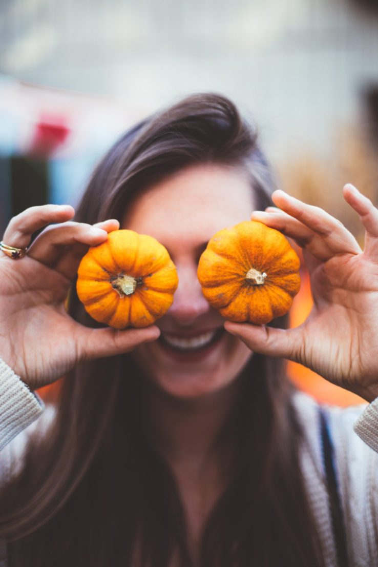 How to Plan for Fall Activities on a Budget (+ Ultimate Fall Planning Checklist & Budget Worksheet!)