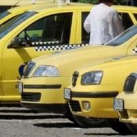 Таксиметровите шофьори си остават вкъщи, фирми ще фалират