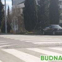 Издирват шофьор блъснал 11-годишно момиче във Варна и избягал