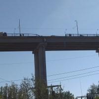 Камион падна от Аспарухов мост (снимки)
