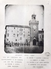 Cartolina realizzata nel 1871, in occasione dell'inaugurazione del restauro della Torre della Guardia (Archivio Montanari-Pazzaglia).