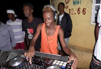 Dj Aguinaldo Jame - Dança Só (Afro Beat) 2017