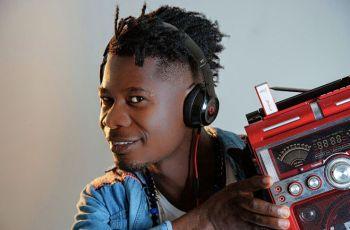 Dj Ketchup feat. Madruga Yoyo - Senta no Banco de Trás do Tio (Afro House) 2017