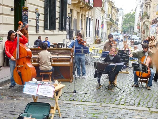 musique de rue dans San Telmo