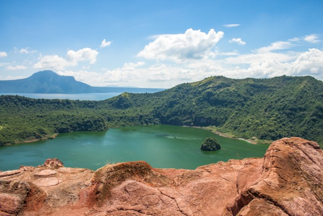 vue visiter le volcan taal