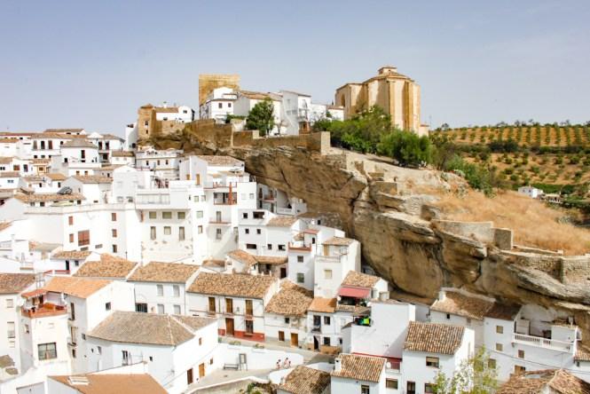 vue sur Setenil de las Bodegas andalousie