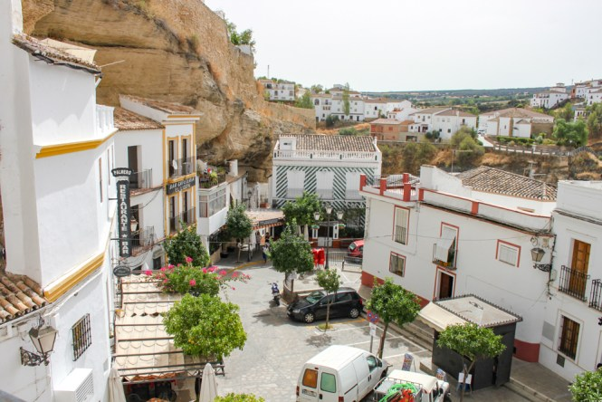 place Setenil de las bodegas andalousie