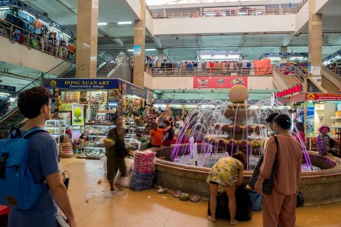 marché Cho Dong Xuan visiter hanoi