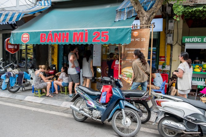 banh mi 25 visiter hanoi