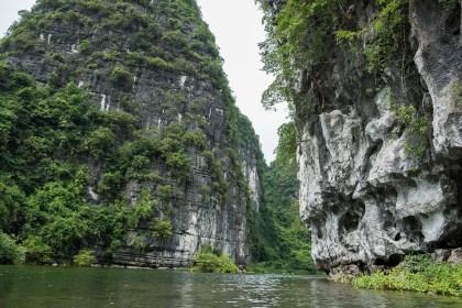 Rivière trang an baie d'halong terrestre tam coc