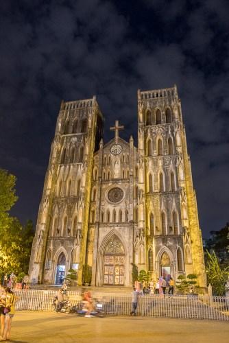 nuit Cathédrale St Joseph visiter Hanoi