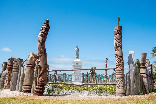 statue-baie-saint-maurice-ile-des-pins-nouvelle-calédonie