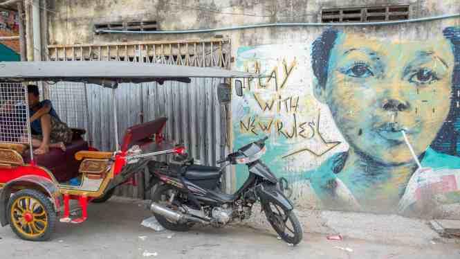 Street-Art-Phnom-Penh-play