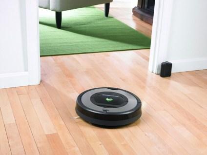 3. iRobot Roomba 772