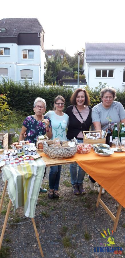 Ellen, Myriam, Gaby, Uschi - das Küchen- & Serviceteam